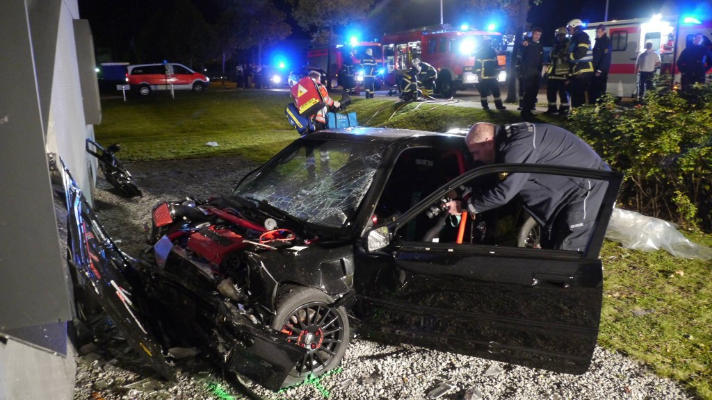 Honda CRX nach dem Unfall - sieht nach Totalschaden aus