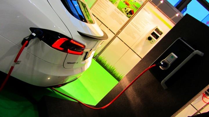 Elektroauto auf der Automobil Messe Freiburg 2014