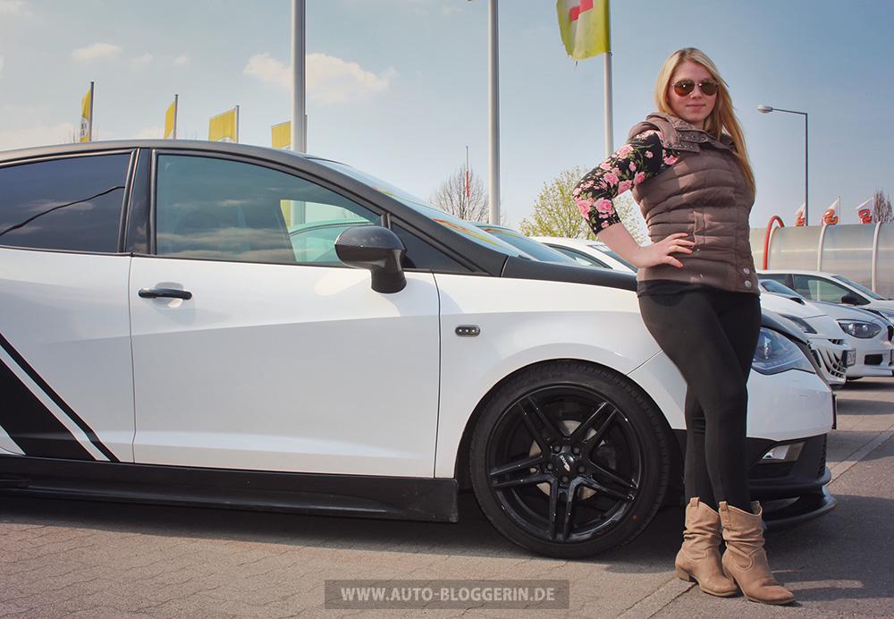 Seat Ibiza 6J zusammen mit Sabrina vor Rund 1 Monat - auf Blue Day in Germersheim