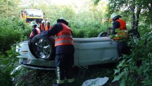 Feuerwehr bergte das Fahrzeug