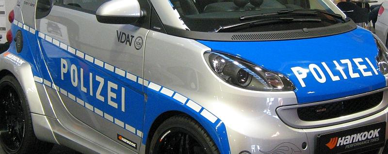 Ein Smart als Polizei-Fahrzeug